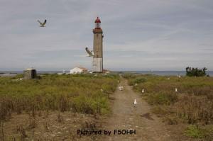 Le chemin du fort au phares et ses gardiens
