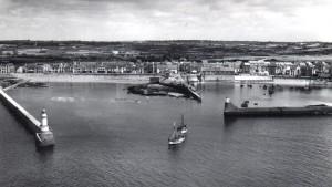Avant 1958 à gauche jetée de Garlahy, à droite Tourlandroux