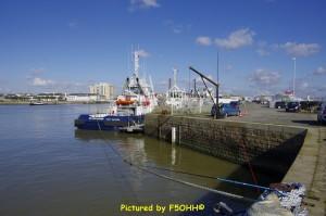 """Bassin """"Avant port"""", côté quai des marées"""