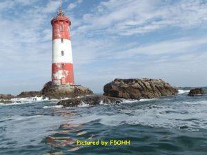 Vue du phare et des roches