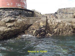 L'escalier et plate-forme par basse mer