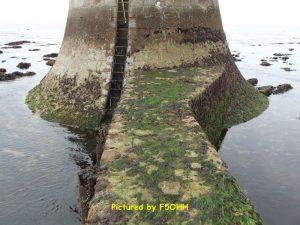 Échelle d'accès au phare