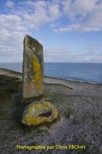 Menhir et auge en pierre