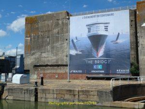 """Écluse """"Est"""" et le garage du sous-marin Espadon"""