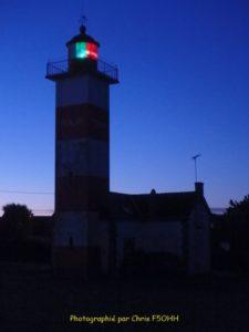 C'est beau un phare la nuit