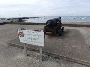 """Un des canons sur """"La Pointe St Gildas"""""""