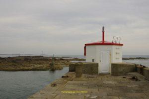 Dans le lointain Gatteville le phare
