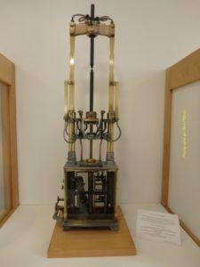 Lampe à arc, en service de 1893 à 1949