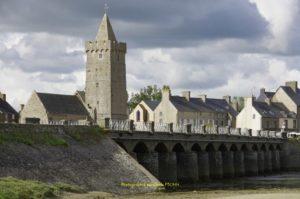 Eglise Notre-Dame et le pont des 13 arches