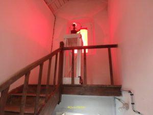 Système Fresnel, LED blanche et fenêtre rouge